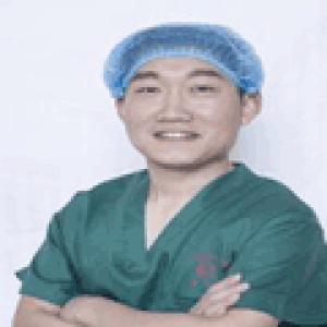 王英俊-植发医生