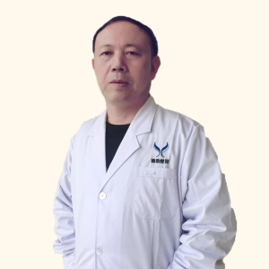张万春-植发医生