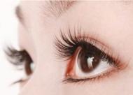 睫毛种植的优点和缺点分别是什么 种植后会有不良反应吗