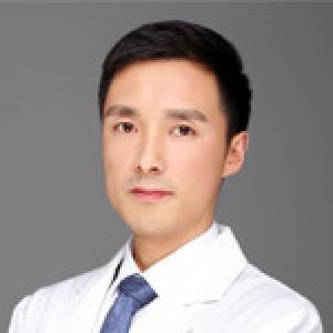 王荣富-植发医生