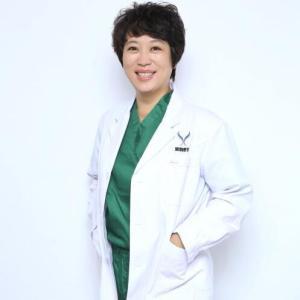 张红-植发医生