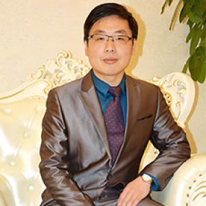葛亮-植发医生