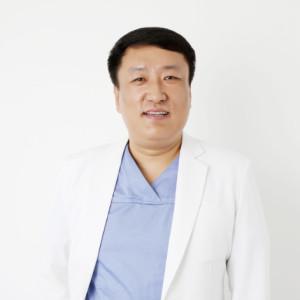 王历-植发医生