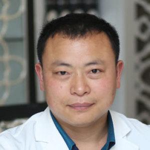 贺真海-植发医生