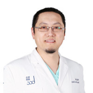 穆宏喆-植发医生