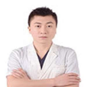 姜留刚-植发医生