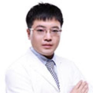 潘福强-植发医生
