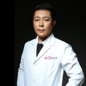 邓小龙-植发医生