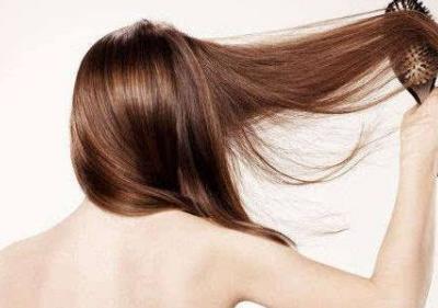 如何判断女性秋天脱发是否正常