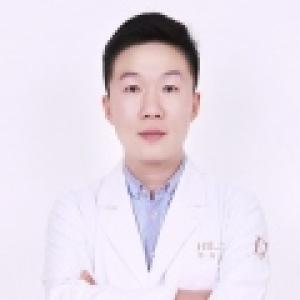 梁爱峰-植发医生