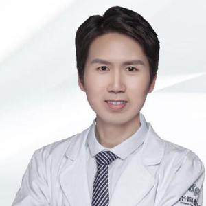 彭亿-植发医生