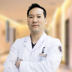 丁长春-植发医生