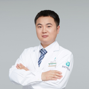 陆昌龙-植发医生