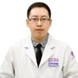 薛华栋-植发医生