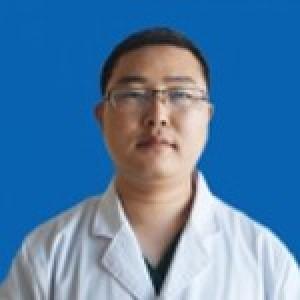 黄彩龙-植发医生