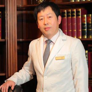 雷云飞-植发医生