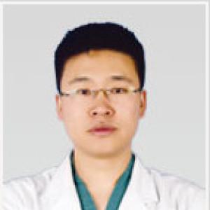 佘晓龙-植发医生