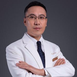 杨国正-植发医生