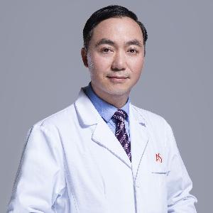 黄义森-植发医生