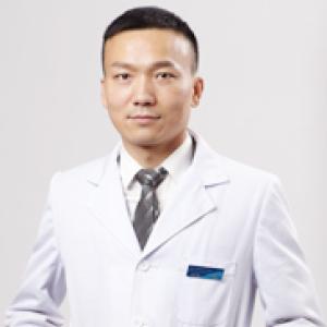 杨权明-植发医生